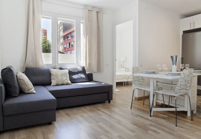 Apartment in Barcelona - Flateli Roger 1