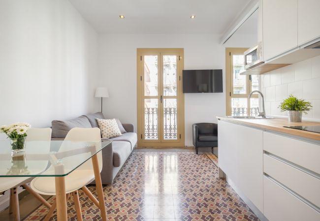 Apartment in Barcelona - Flateli. Rosselló