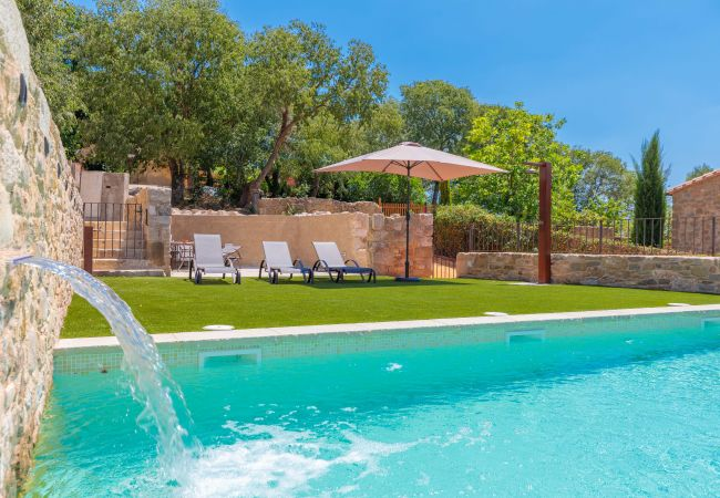 Villa a Sant Jordi Desvalls - Flateli Diana